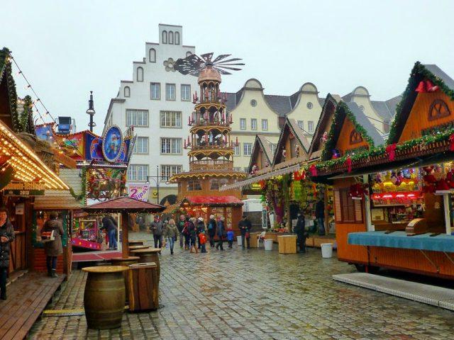 Weihnachtsmarkt In Rostock.Rostock Mit Dem Wohnmobil Zum Weihnachtsmarkt Travel Cycle
