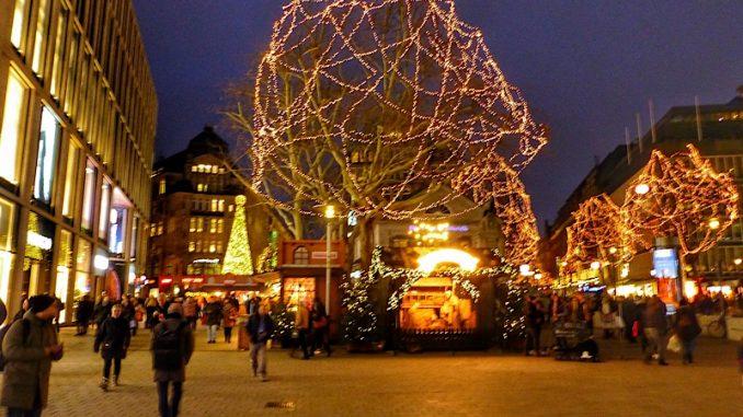 Weihnachtsmarkt Ratzeburg.Hamburg Ein Roadtrip Zum Weihnachtsmarkt Travel Cycle
